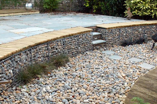 Stunning garden raised terrace using 900mm gabions